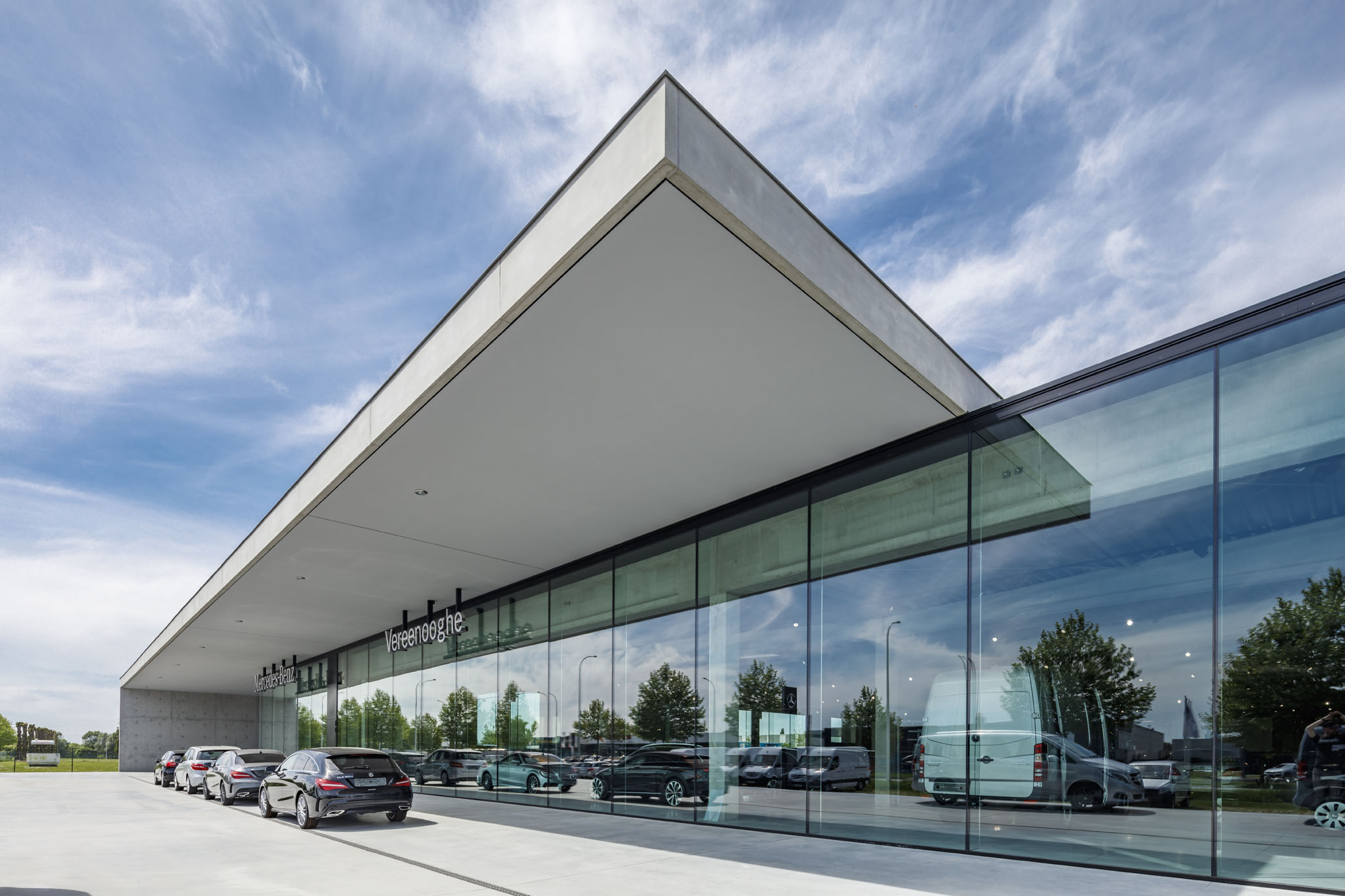 Image of Mercedes Showroom in Ypres, Belgium